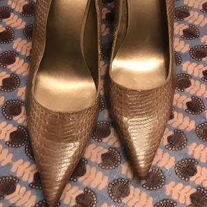 NineWest Snake Skin Heels. Size 10